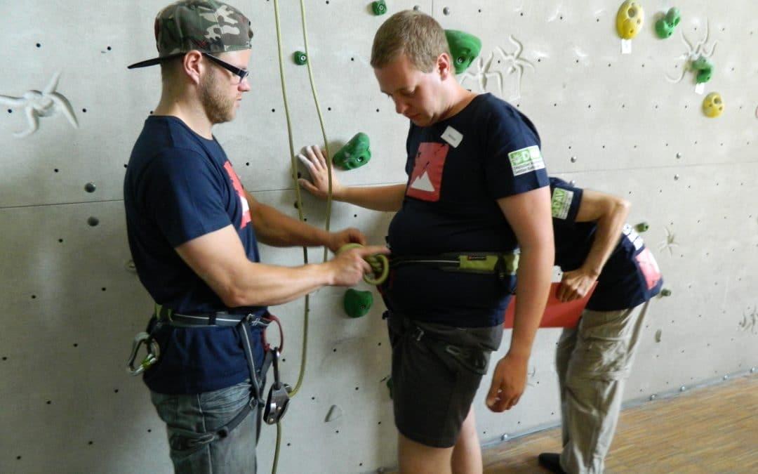 Erfolgreiche Teilnehmer am ersten Nationalen Paraclimbing-Wettbewerb in Karlsruhe