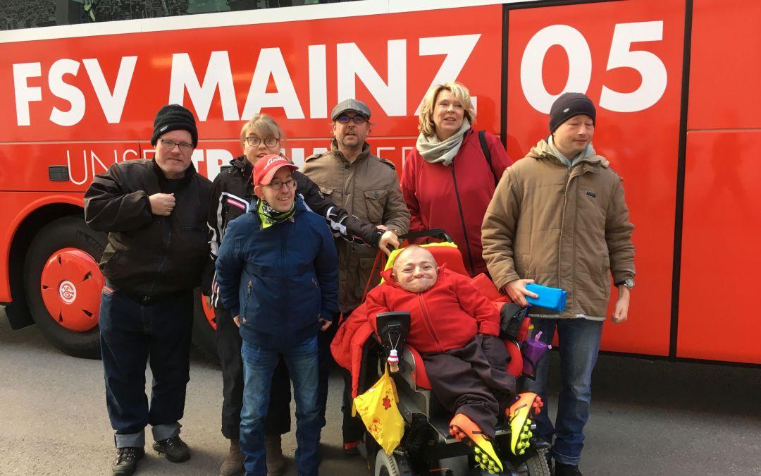 Ausflug zum Bundesliga-Abendspiel 1. FSV Mainz 05 gegen Borussia Mönchengladbach